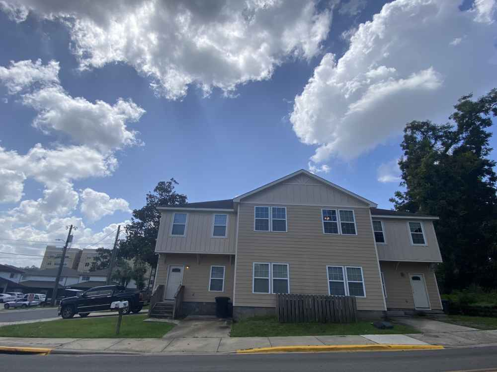 803 W Georgia St-Short Term Lease! Available Now!